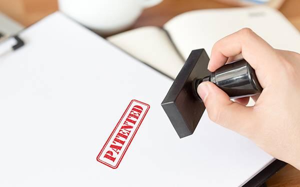 如何在专利申请过程中改变技术方案?