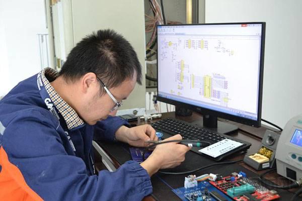 重庆机场研发盲降遥控设备独立语音报警系统获国家专利认证