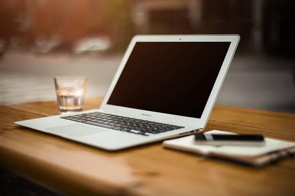 苹果新专利显示器可调隐私模式,再也不用害怕被窥屏了!