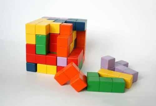 中国团队发明独特积木玩具,获50国专利认证